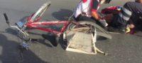 Hombre es arrollado a bordo de su bici