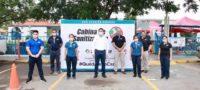 Julio Long entrega cabinas de sanitizacion.