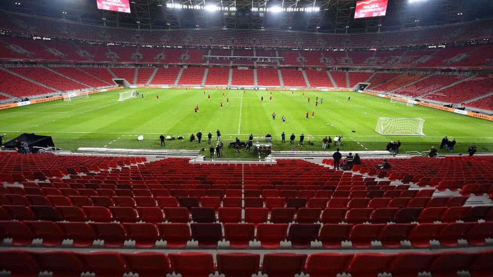 Los hinchas vuelven a los estadios húngaros pero con restricciones