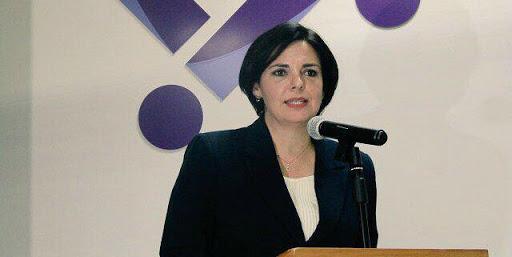 Maestra Gabriela de León, presidenta del IEC