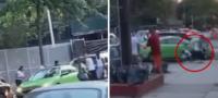 Mujer desesperada atropella a un grupo de personas para defender a su novio