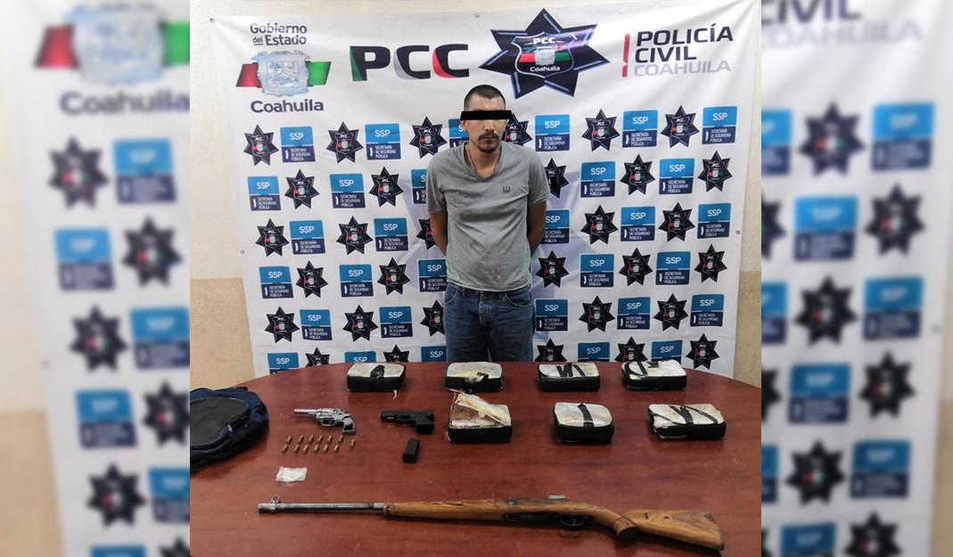 Hombre es detenido en Piedras Negras por portar armas de fuego y droga
