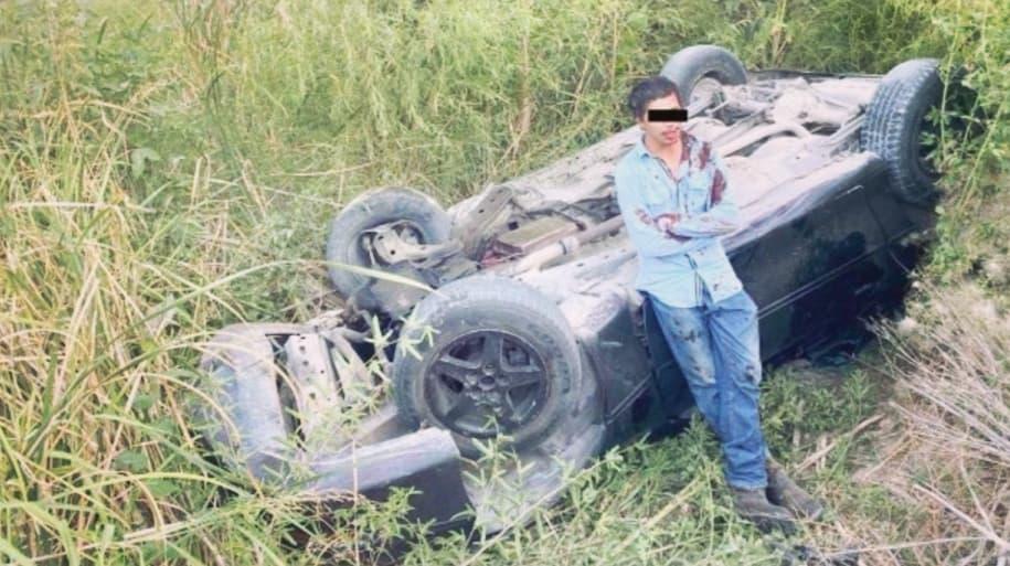 Se ríe de la muerte: hombre se volcó en Acuña y no sufrió ninguna lesión