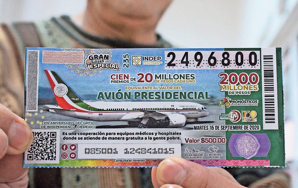PEMEX regala cachitos para rifa del avión presidencial entre sus trabajadores: si se lo ganan tendrán que repartir el dinero