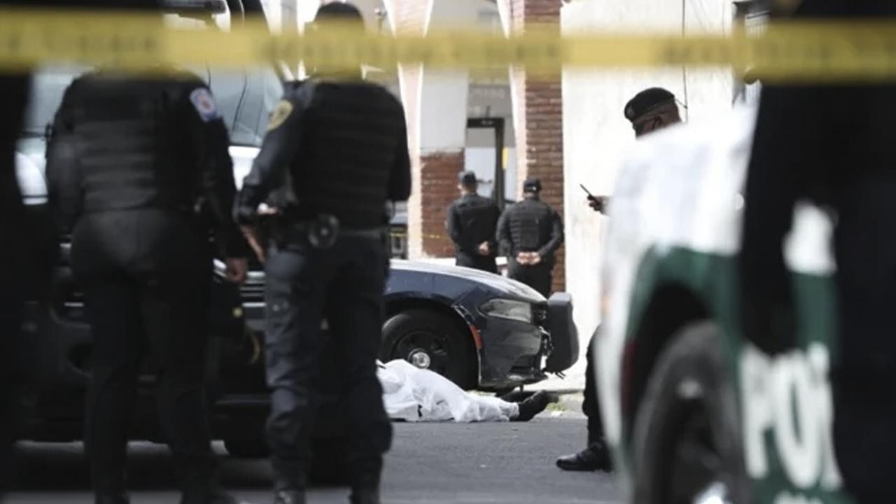 Mujer policía fallece luego de caer desde una patrulla