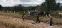 Un niño y un adulto muerto, un bebé herido y tres adultos lesionados: volcadura en Carretera Monclova - MonterreyUn niño y un adulto muerto, un bebé herido y tres adultos lesionados: volcadura en Carretera Monclova - Monterrey