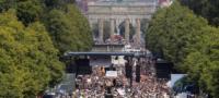 Hartos del confinamiento; miles de manifestantes protestan en Berlín