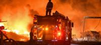Miles son evacuados en California tras alerta de 50 incendios