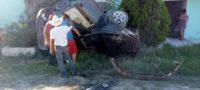Aparatosa volcadura en Ejido El Oro; responsable se dio a la fuga