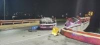 Tras impactarse contra barandal y volcar, muere conductor en San Nicols NL