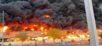 Voraz incendio consume mercado de Ajman, en Emiratos Árabes