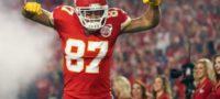 Jugador de Kansas City presume playera del América en reunión de los Chiefs