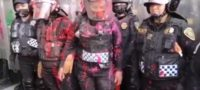 """""""Estás a mi servicio pinche gata""""; feministas insultan y agreden a mujeres policías"""