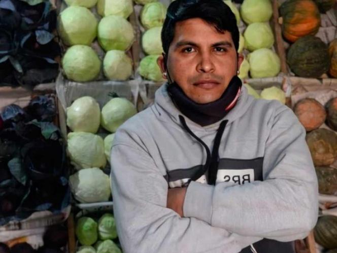 Humilde verdulero se encontró 150 mil pesos; los regresó a su dueña