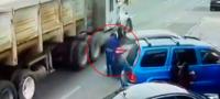 Muere mariachi tras brutal atropellamiento; lo empujan contra las ruedas de un camión y fallece al instante