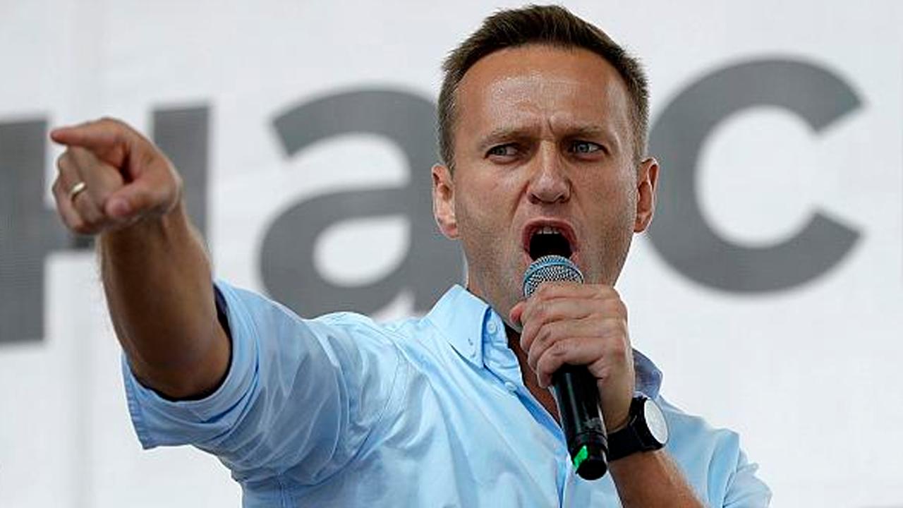 Revelan que coma del activista Alexei Navalni fue causa de envenenamiento; Alemania y Francia exigen explicación de Rusia