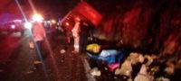 Al menos 13 muertos y 25 lesionados en accidente frontal de un autobús de pasajeros