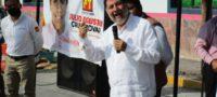 ¡Fuera, Noroña!: Entre gritos y lanzando tomates, ciudadanos de Hidalgo 'huevearon' al diputado federal