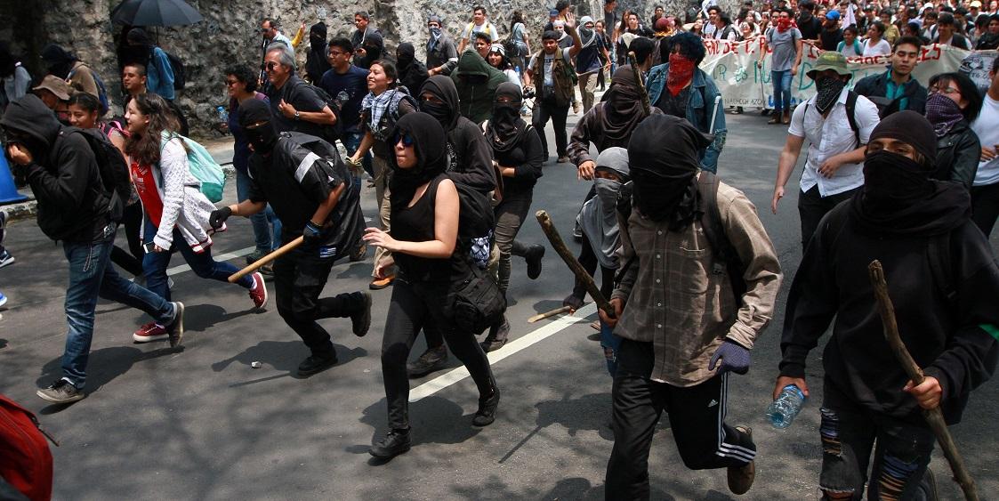 AMLO asegura que tiene información de grupos de choque en movimientos feministas