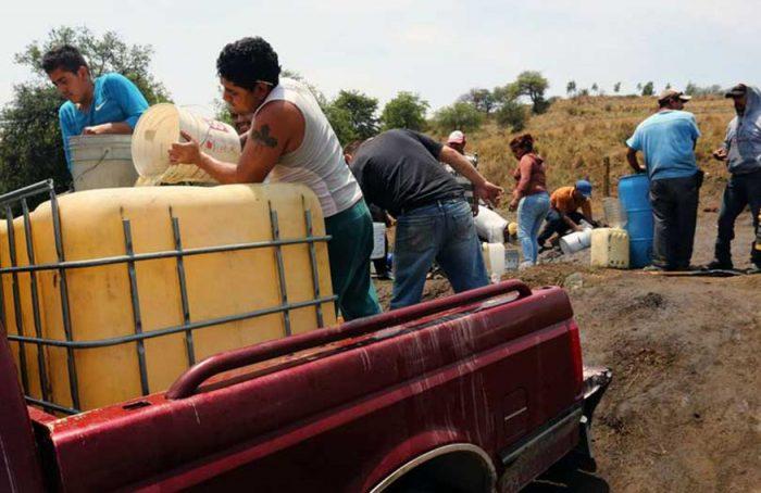 Crimen organizado roba millones de pesos a PEMEX; controlan más de 6 mil tomas clandestinas