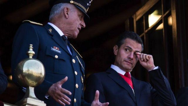 Aprehensión del extitular de SEDENA, Cienfuegos en EU presiona planes de AMLO