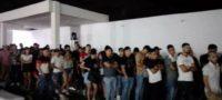 Detienen a 25 jóvenes y dos menores de edad en una fiesta masiva de un predio en Cadereyta