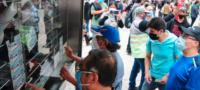 Roban 20 mdp a campesinos de Veracruz; funcionarios les arrebataron un cachito ganador del avión presidencial