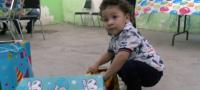 Historia de un guerrero: niño de dos años vence al cáncer y regresa a casa a festejar su cumpleños