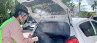 """El PRI desinfecta de COVID a taxis con maquina de humo para fiestas, """"es muy práctica"""""""