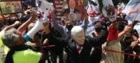 """""""El presidente no está solo"""": Simpatizantes de AMLO responden en marcha contra FRENAAA"""
