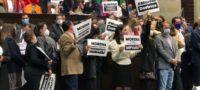 Morena vs. PRI, PAN y PRD: diputados se enfrente entre gritos y empujones