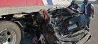 Muere madre de familia en choque contra tráiler en carretera Monclova-San Pedro