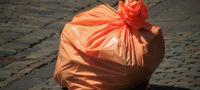 A tope de basura colonia Villasol de Ramos Arizpe; vecinos piden ayuda al Alcalde