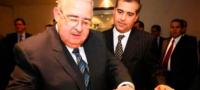 A pocas horas de morir su padre, hijo de Humberto Garza dejó la presidencia de Grupo FAMSA