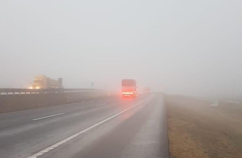 Continua cerrada la autopista Monterrey-Saltillo; niebla y lluvias impiden la circulación