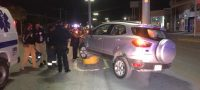 Policiaca: Pierde control del volante y se sube al camellón central, solo daños materiales y un tremendo susto