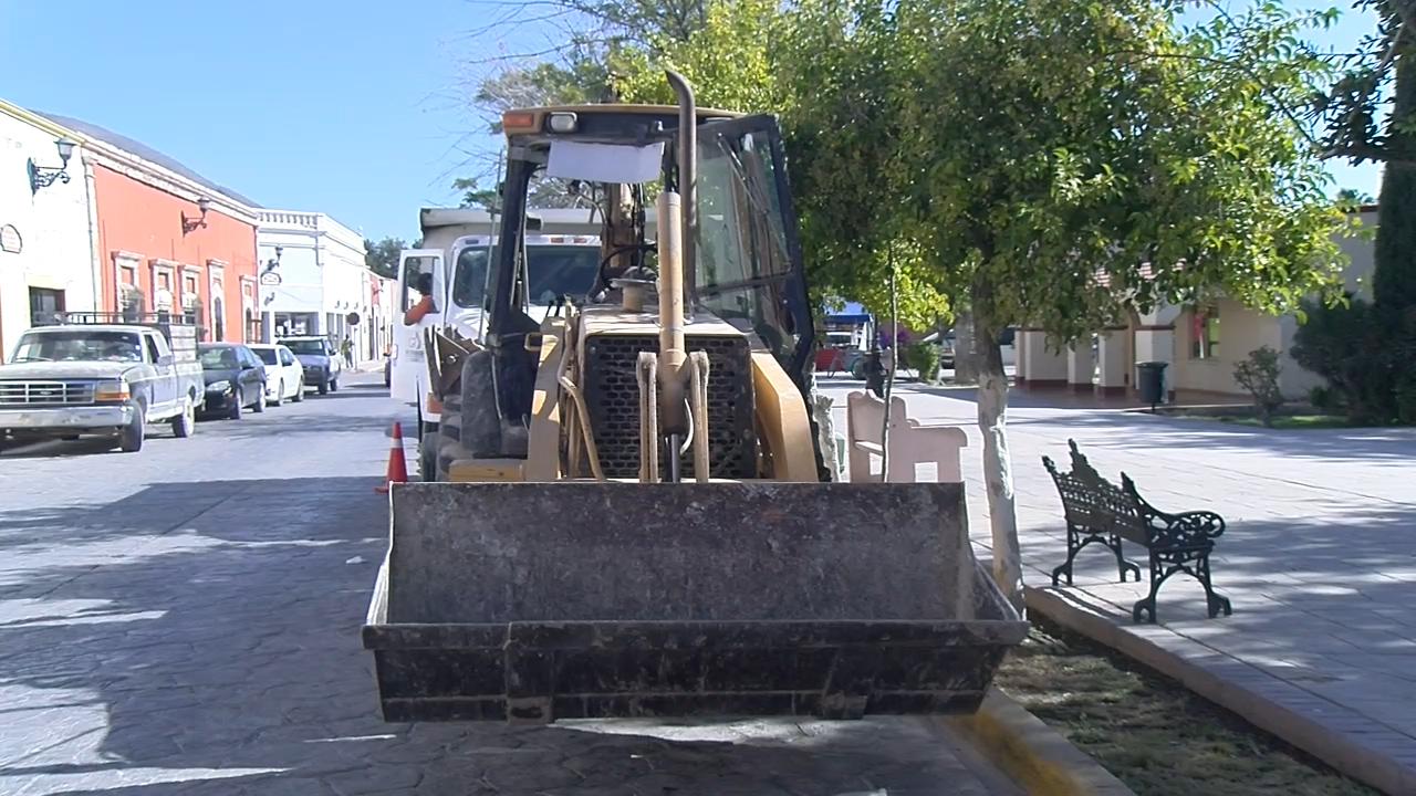 Inicia reposición de drenaje domicilario en el centro de Cuatro Ciénegas