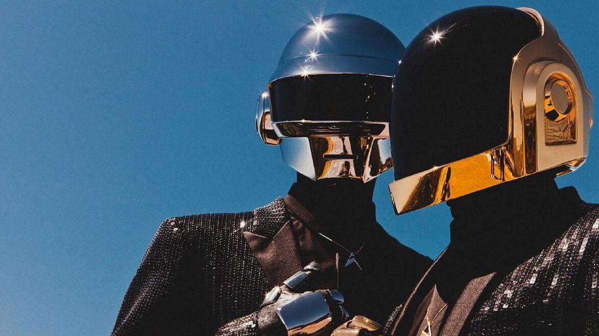 El conjunto se va con cuatro discos grabados y diversas colaboraciones con otras figuras.