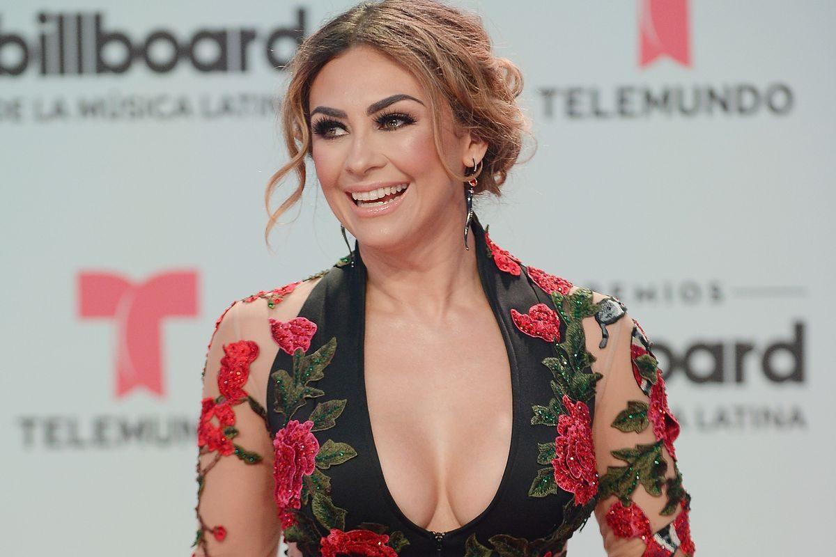 Aracely Arambula enamora a sus seguidores tras modelar coqueto 'outfit' de verano