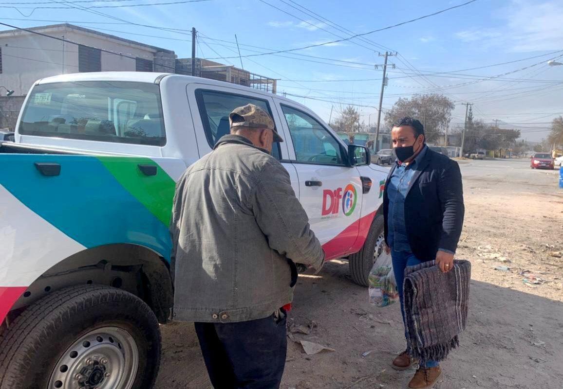 Apoya DIF Frontera a Don Juan, a quien se le incendió su casa