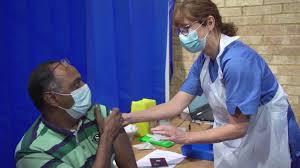 'Solo podremos entregar vacunas antiCovid a los más pobres si los ricos cooperan': OMS