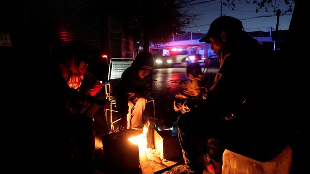 Residentes de Texas pagarán hasta 5 mil dólares en facturas de luz tras apagón masivo