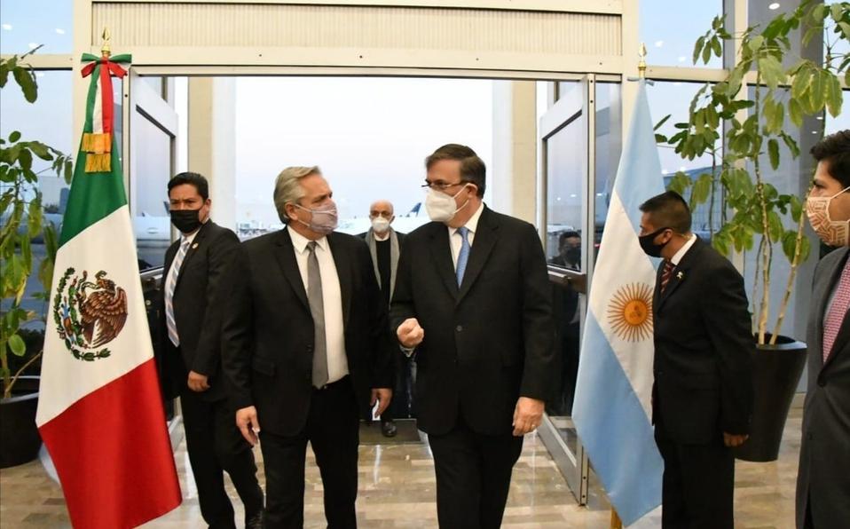 Ebrard recibe llegada del presidente de Argentina: afianzará acuerdo sobre vacunas