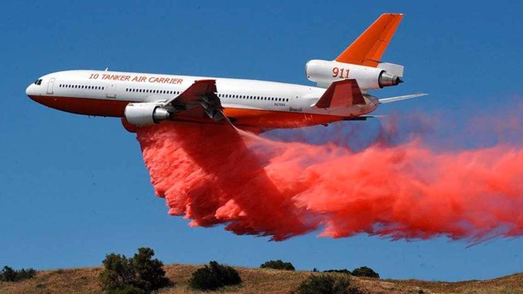 DC-10 avanzar al 85% en el control y 75 % en la liquidación del incendio
