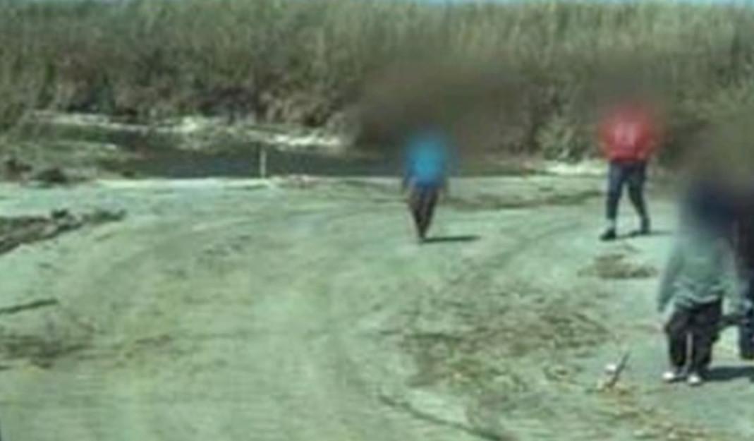 5 niños inmigrantes son abandonados un camino entre Eagle Pass y EU; los polleros no fueron detenidos
