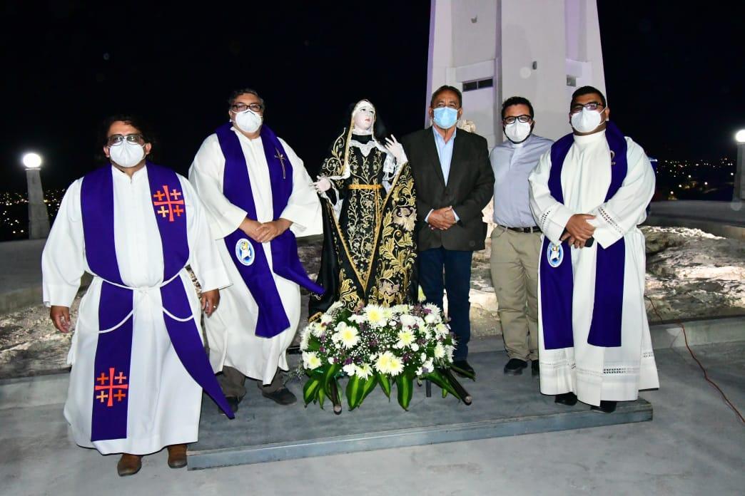 Acude Agustín Ramos a procesión del silencio en Monclova