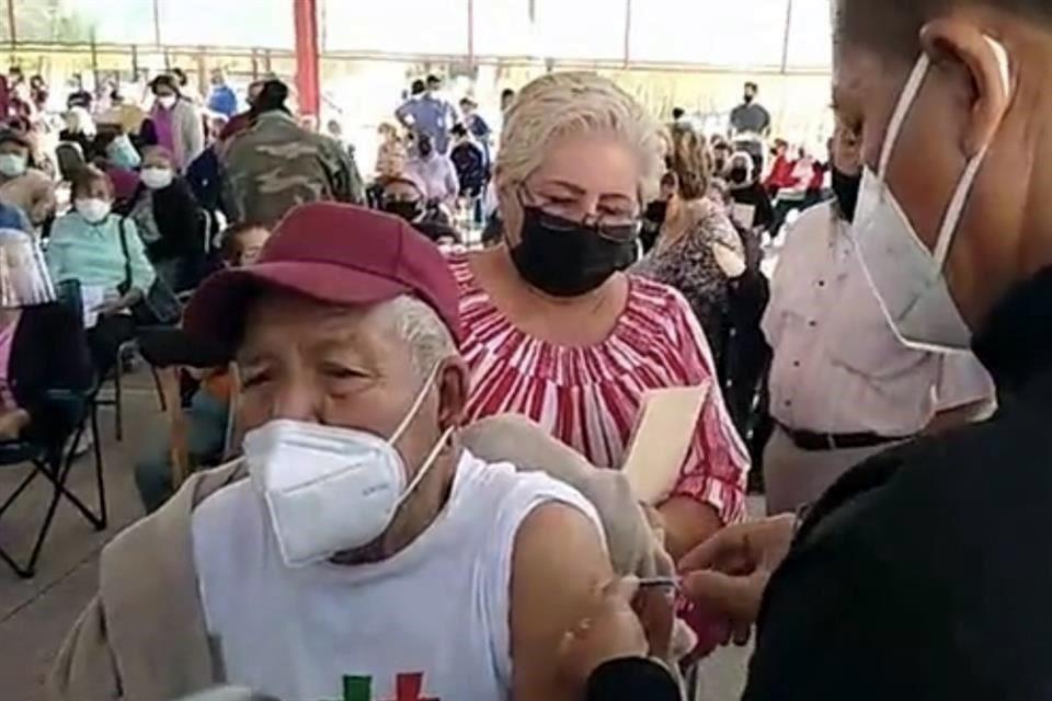 Más de 2 mil adultos mayores se quedaron sin vacunas antiCovid en Ramos Arizpe