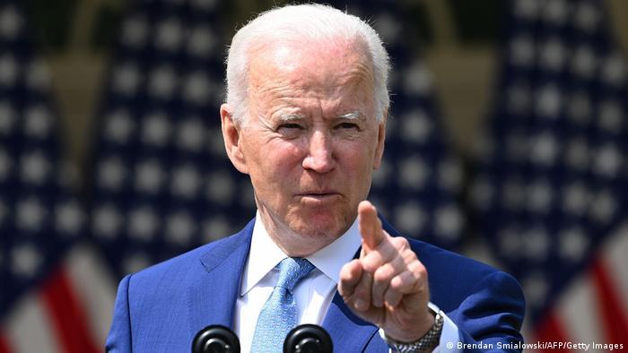 Portación de armas es una epidemia; Biden va contra tiroteos masivos en EU