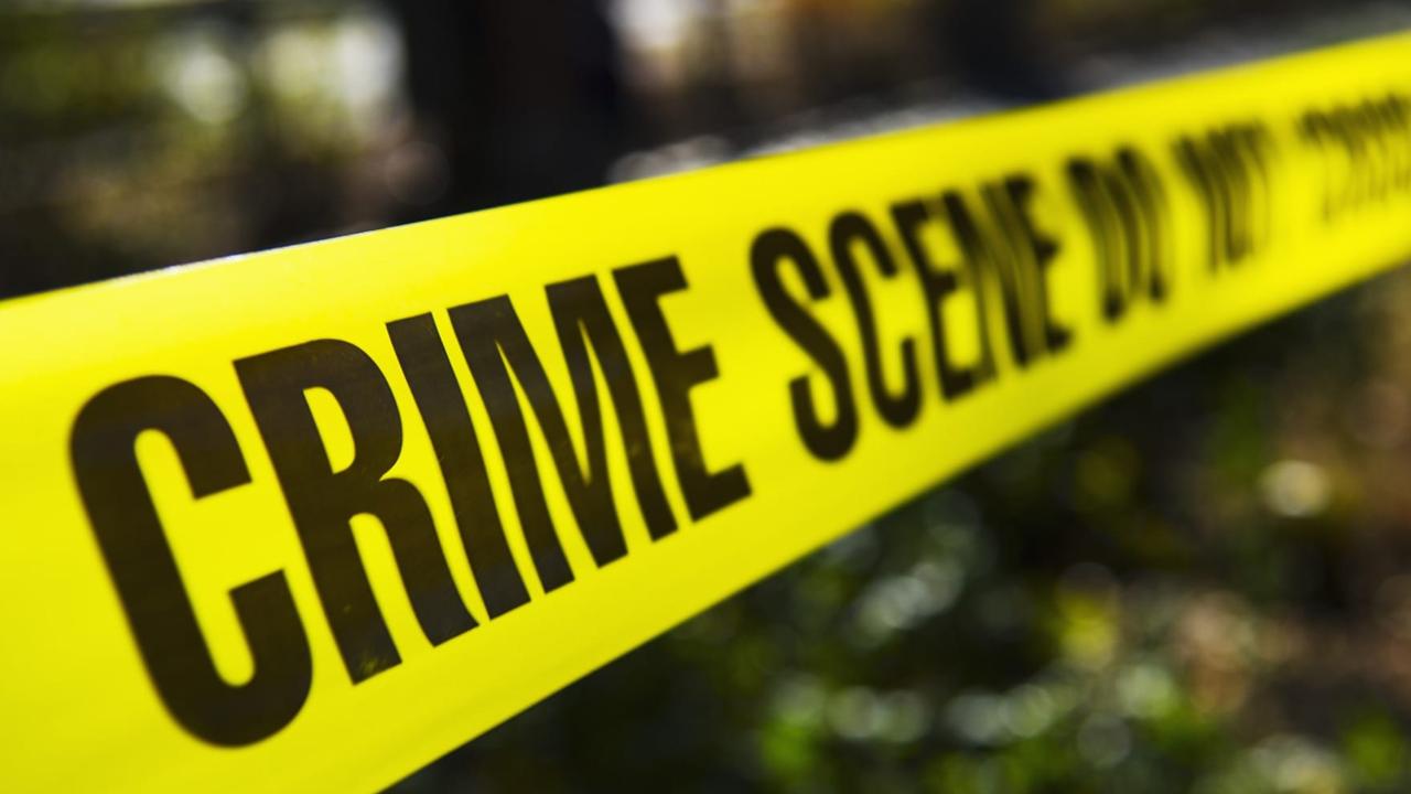 Hallan el cuerpo sin vida de una joven embarazada en una zona boscosa; su pareja pudo ser quien la asesinó