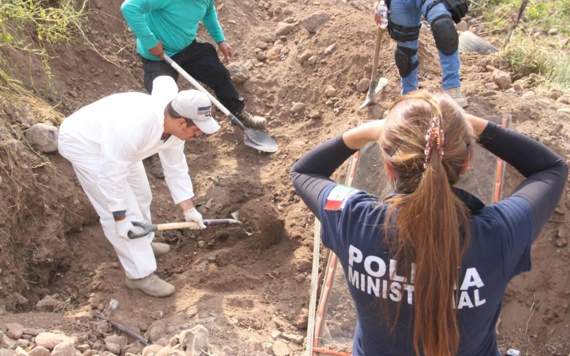 Jalisco: Localizan 57 cadáveres en fosa de Juanacatlán y recuperan 42 lotes de restos óseos en Tepatitlán